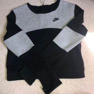 Women's Nike Cropped Crew Neck